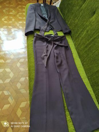 Spodnie z żakietem.