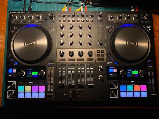 DJ контролер Traktor S4 MK3