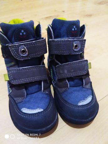 Peppino. Фірмові демісезонні зручні черевики на дитину.