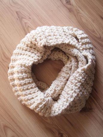 Kremowy pudroworóżowy komin szal szalik pudrowy gruby ciepły na zimę