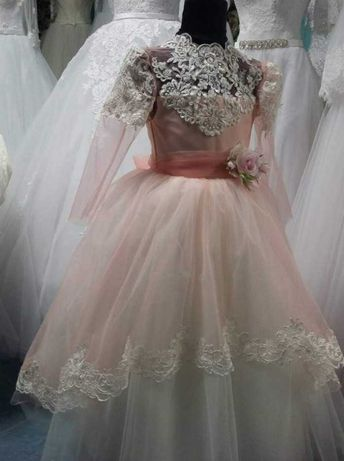 Нарядное, бальное, выпускное платье в садик