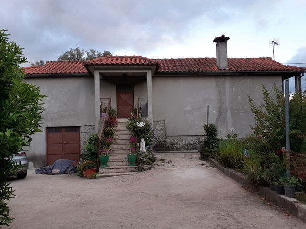 Vendo casa e terreno