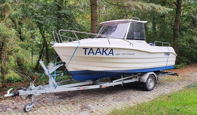 łódź motorowa, kabinowa