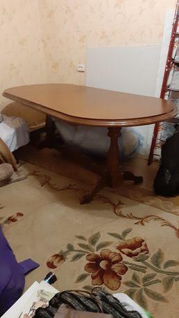 Стол в гостинную