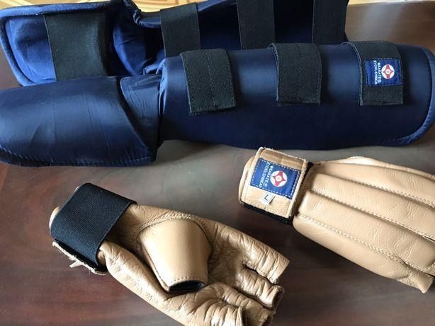 Экипировка, броня, защита для каратэ киокушинкай перчатки и футы