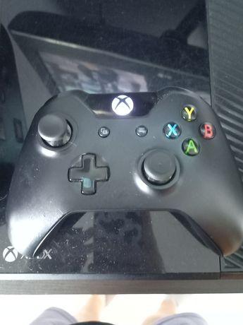Xbox one pad 500gb + gta V