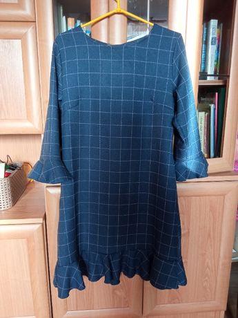 Granatowa sukienka, prosta, z falbaną i keiszeniami r. M