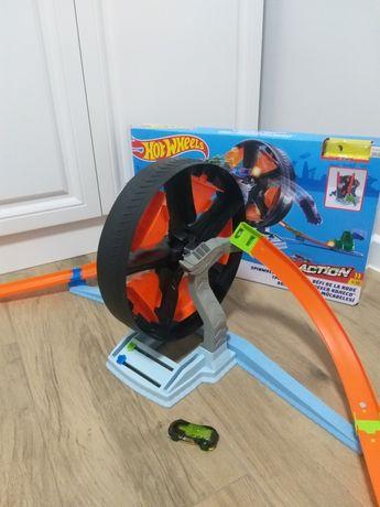 Трек Хот Вилс - Hot wheels action круговое противостояние