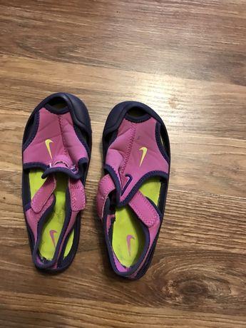 Buty dla dziewczynki Nike, wkladka 16cm, do biegania i do wody