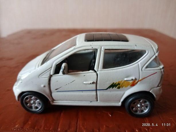 Модель автомобиля.