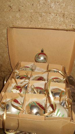 PRL - bombki - ozdoby choinkowe kpl 12 szt muchomorki z pudełkiem