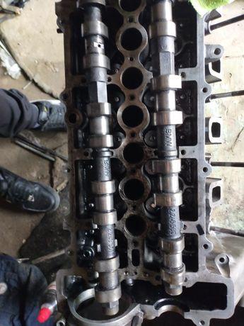 Головка блока цилиндров на БМВ Е46 2л дизель