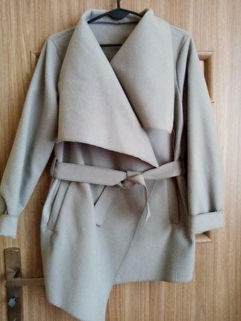 Szary płaszcz rozmiar uniwersalny