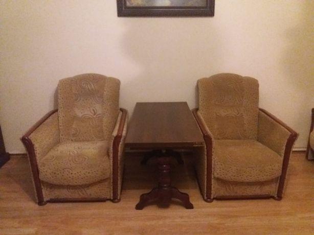 2 fotele tapicerowane i rozkładany ławostół