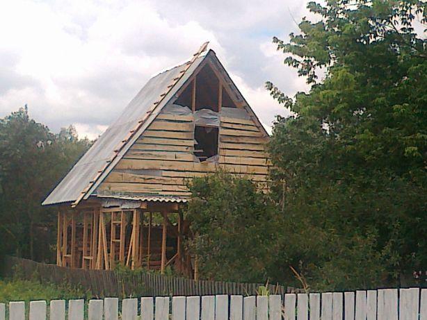 Продам участок с постройками