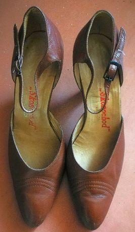 Продам женские винтажные кожаные коричневые туфли