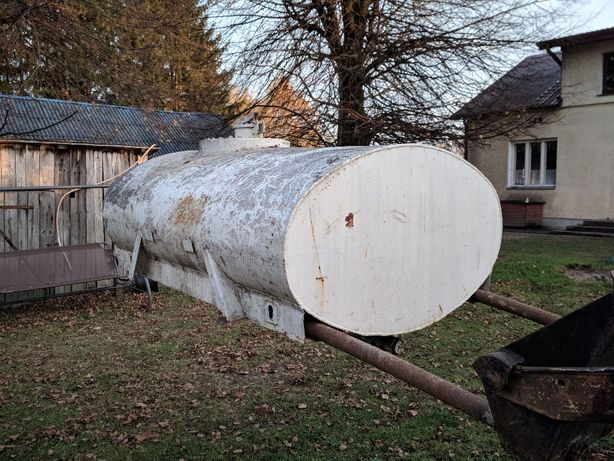 Beczka, zbiornik albo pojemnik 1300 litrów. Zamienię na glebogryzarkę
