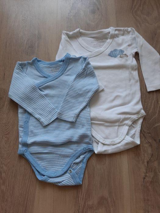 2 szt. Body kopertowe 62 68 białe niebieskie Wieliczka - image 1
