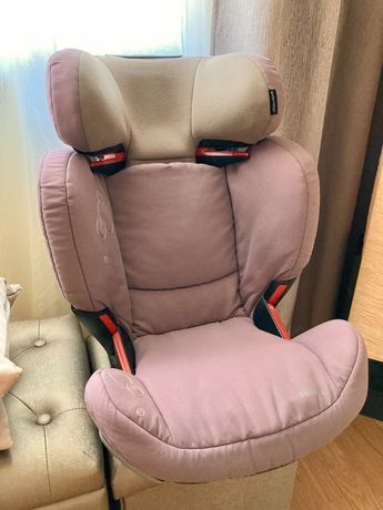 Cadeira auto isofix Bebéconfort em muito bom estado.