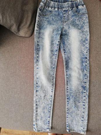 Jeansy mięciutkie przecierane