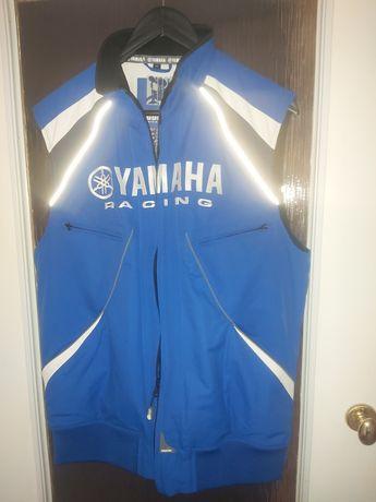 Bezrekawnik Yamaha r M