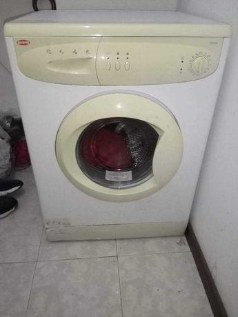 Maquinha para lavar roupa