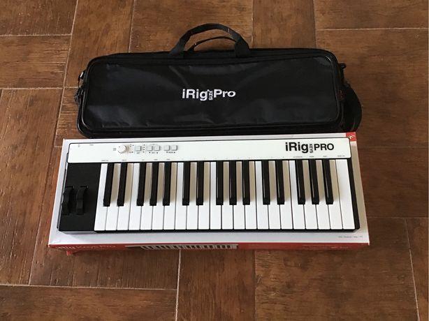 Vendo teclado/controlador midi Irig Pro Keys e case original.