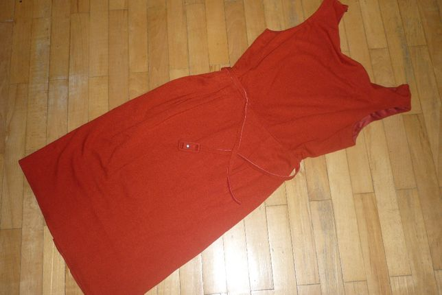 Czerwona sukienka dzianinowa Betty Jackson rozm. 42