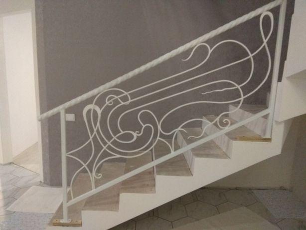 Перила на лестницу, лестницы под ключ, перила на балкон. Стекло, ковка