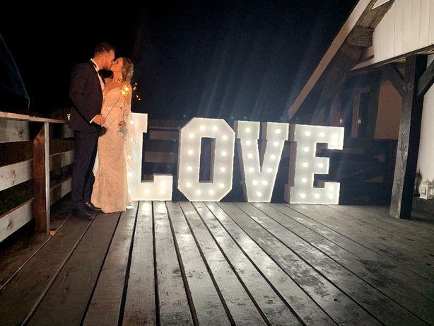 Napis LOVE/ Miłość / Serce podświetlane / Fontanna iskier / Ciężki Dym