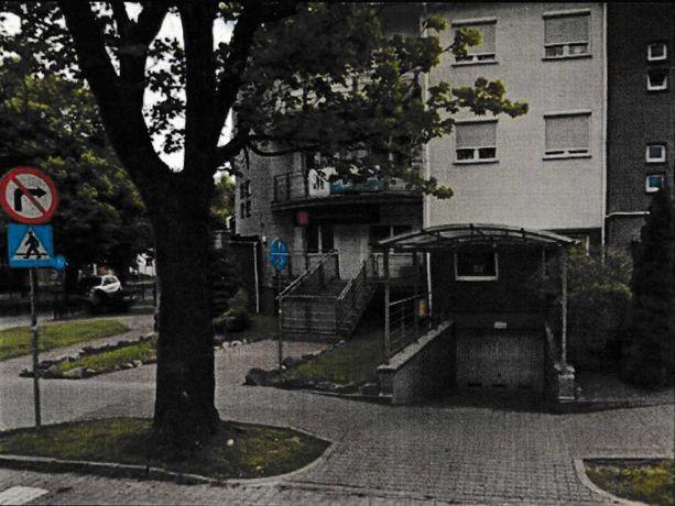 Cztery miejsca w garażu wielostanowiskowym w bloku Marcinkowskiego 10