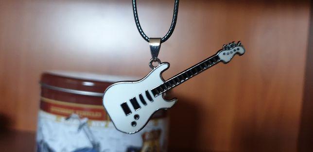 """Naszyjnik rockowy """" Biała gitara """""""