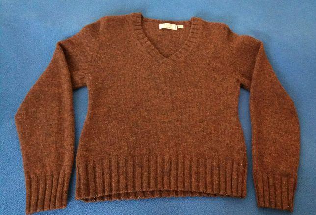 Sweter dziecięcy 100% czysta żywa wełna, na około 146 cm.