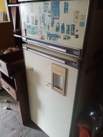 Холодильник б/у ака