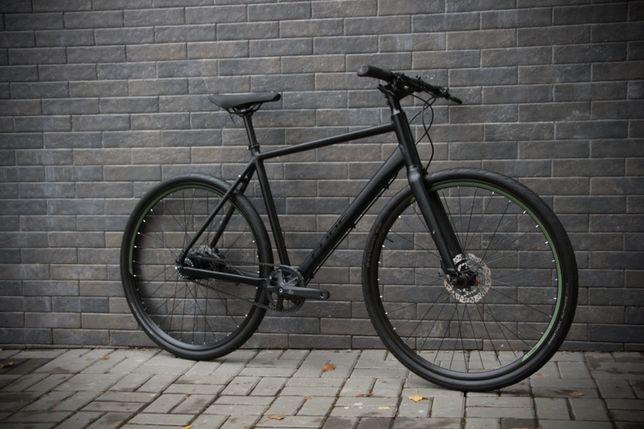 Городской велосипед Cube Hyde Pro на планетарке trek scott specialized