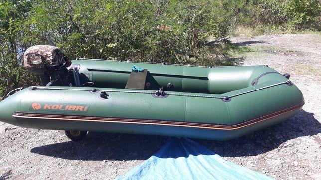 Продам лодку Колибри330
