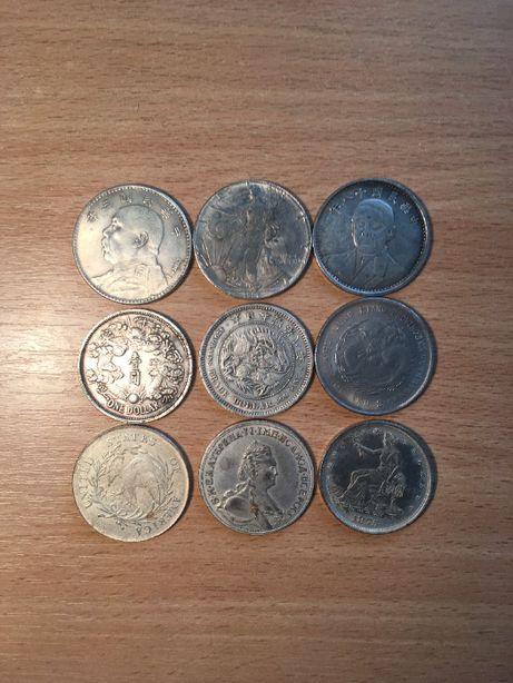 Продам монеты + подарок!