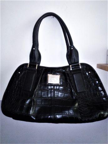 Czarna torebka do ręki Fiorelli, eco skóra, wzór skóry krokodyla