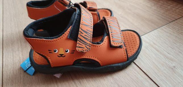 Nowe sandały 25