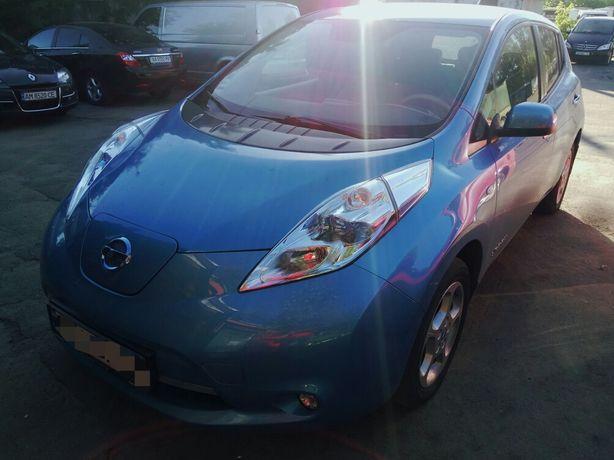 Продам Nissan Leaf