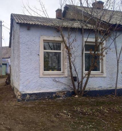 Угловой дом в общем дворе