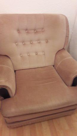 Dois sofás poltrona