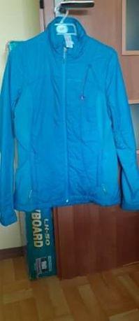 Niebieska kurtka Decatlon