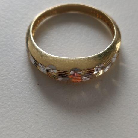 Złoty pierścionek próba 585 14 k