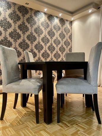 Stół drewniany oraz cztery drewniane krzesła, Ikea