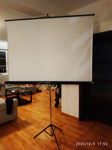 Ekran projekcyjny Hama