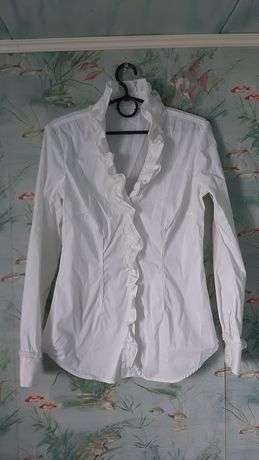 Новая, белая блузка.