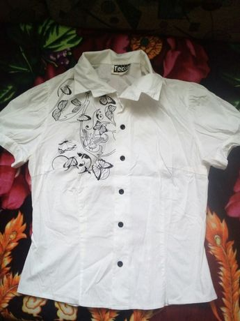 Продам дві блузки