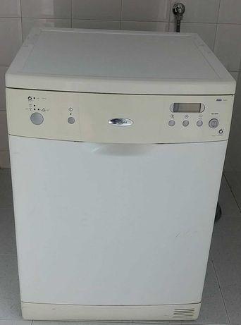 Máquina de Lavar Loiça Whirlpool ADP 6940 WHM