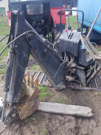 2011r Koparko ładowarka zawieszana do ciągnika 560kg Backhoe